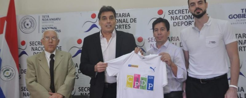El Ministro de Deportes, Víctor Pecci se inscribe en la Corre Camminata CPDP
