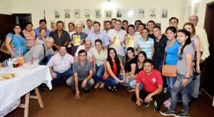 grupo-de-periodistas-deportivos-de-nuestro-pais-que-participaron-de-los-festejos-por-el-aniversario-numero-73-del-gremio-que-los-nuclea-posan_970_533_1171661